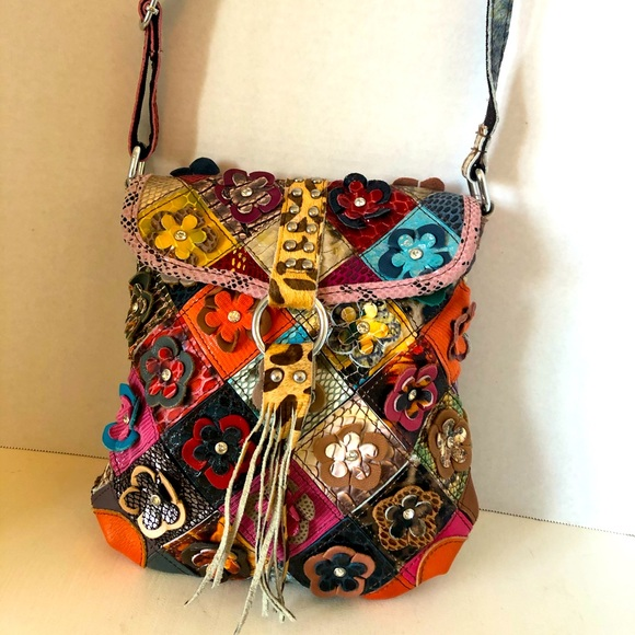 Hobo chic crossbody with floral design